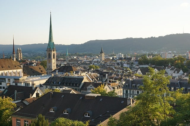 Photos of Switzerland - Happiest country on earth - Zurich - http://makeavisionboard.com/happiest-country-on-earth/